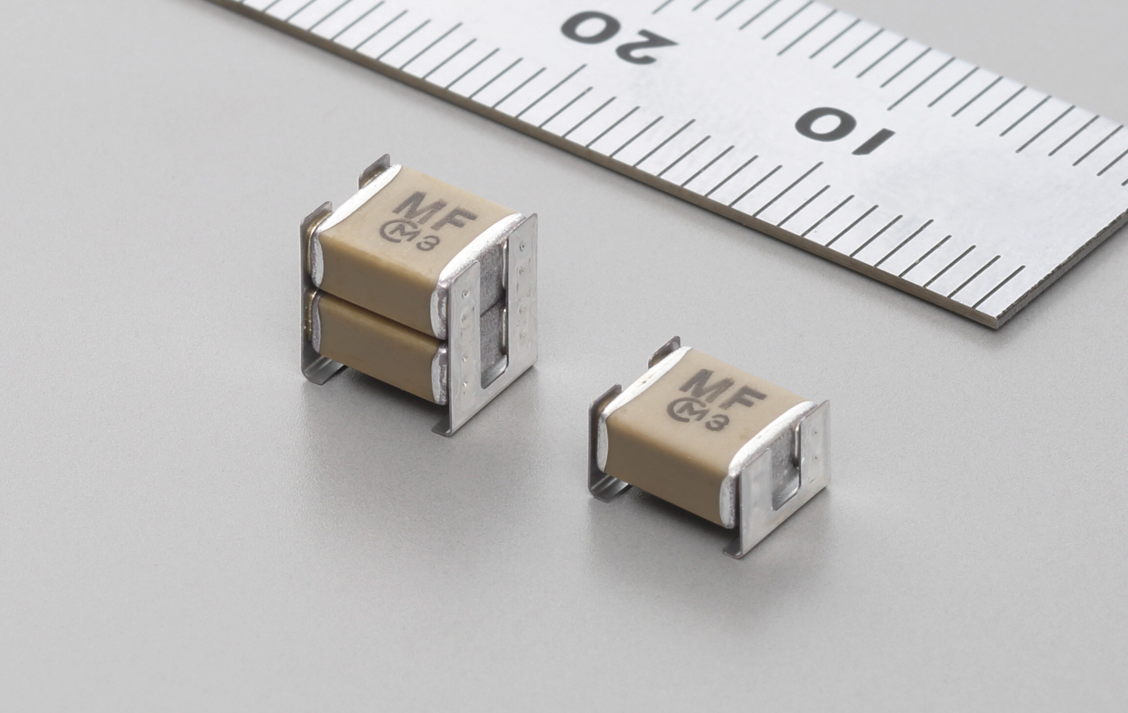 Murata introduces safety standard certified metal terminal type MLCC for automotive applications with a distance between terminals of 4 mm or more.