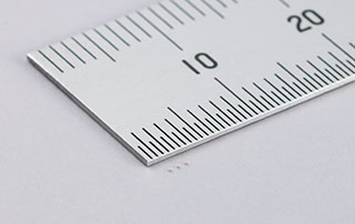 世界最小(0201Mサイズ)で最大静電容量0.1μFの積層セラミックコンデンサを世界で初めて開発